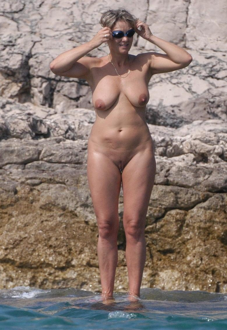 Amateur Naked Milf Pictures