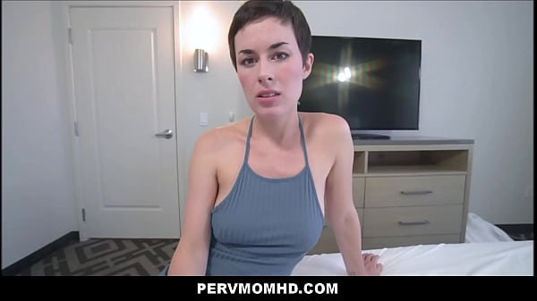 Amateur Stepdaughter Cocksucking Before Sex.