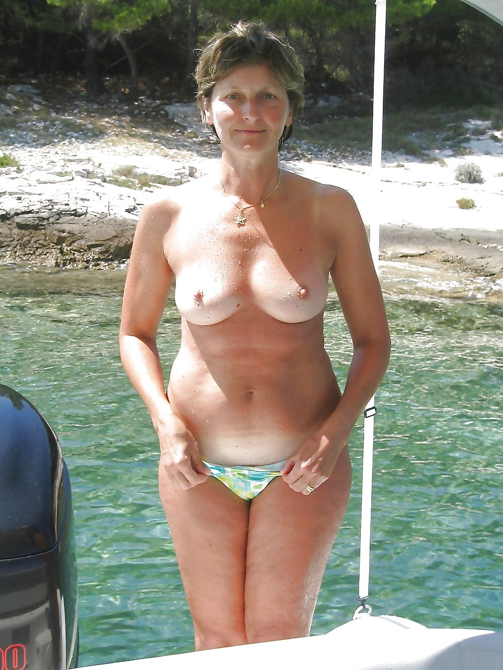 Pictures Of Horny Grannies
