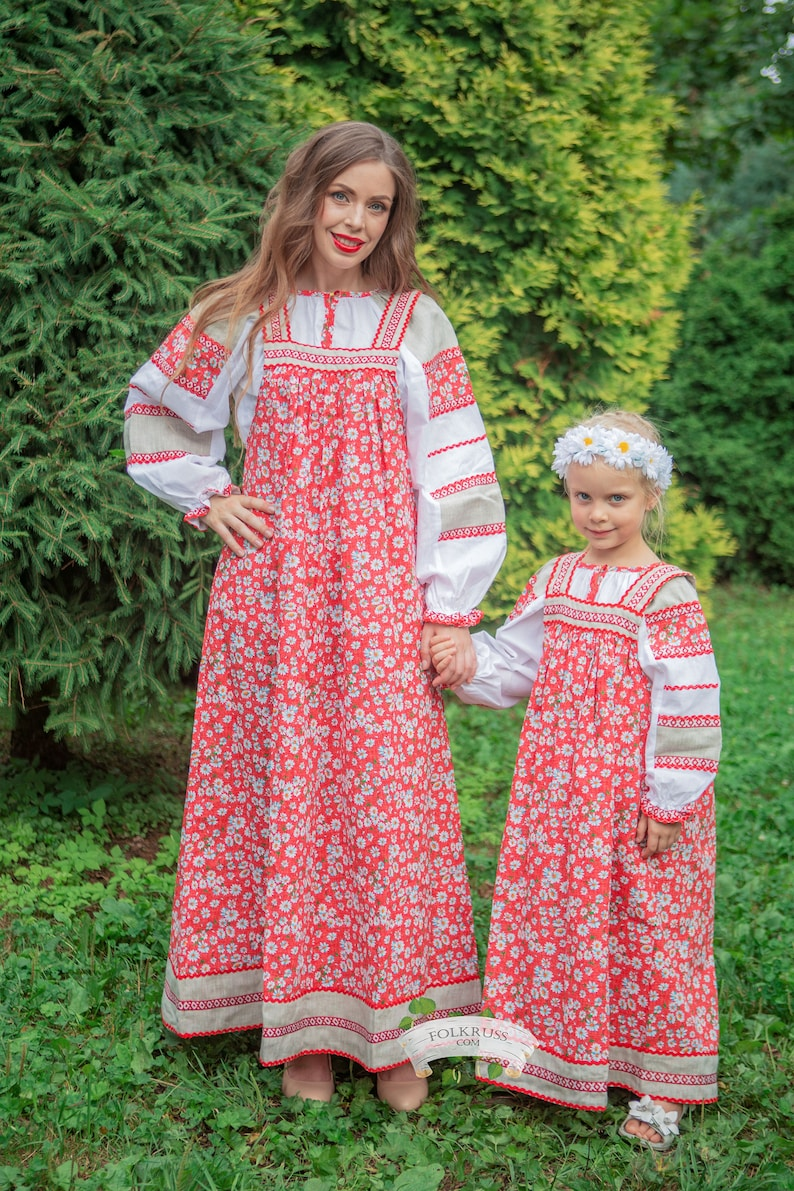 Russian Girls In Traditional