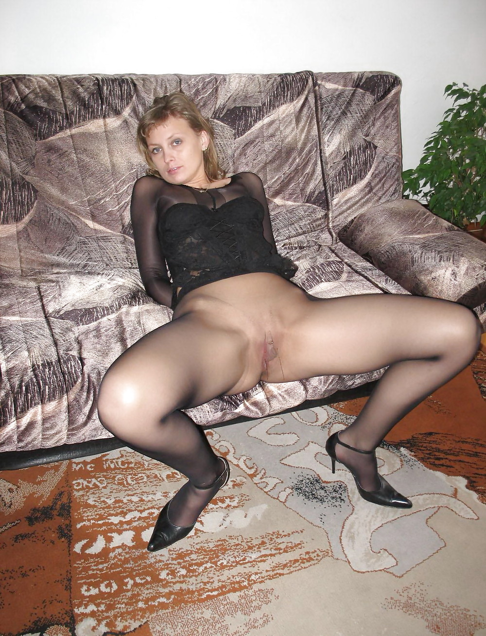Sexy Amatures In Pantyhose